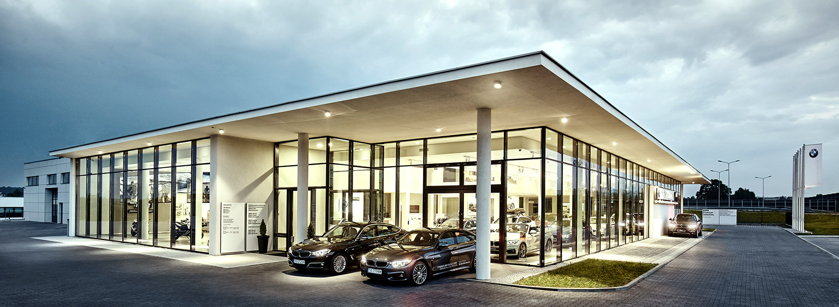 Salon Dealer BMW ZK Motors.